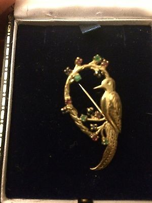 Lovely 9ct Bird Brooch With Luxury Box.