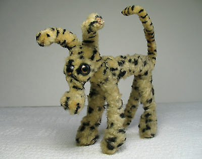 """Vintage 4-3/4"""" Tall by 4-3/4"""" Long DOG ~ Thick Pipe Cleaners ~ Chenille Stems"""