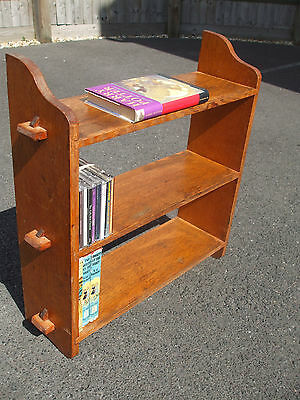 Small antique Arts and Crafts oak bookcase, quarter sawn, Cotswold School style