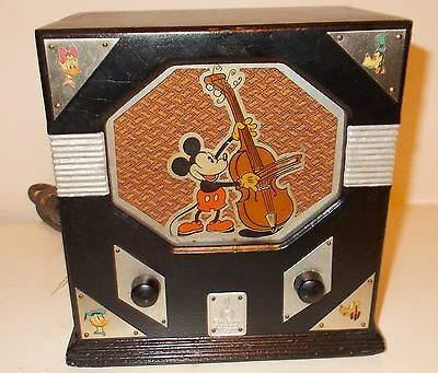 Vintage 1933 Emerson Disney Mickey Mouse Wooden Tube Radio - Model 410 Works