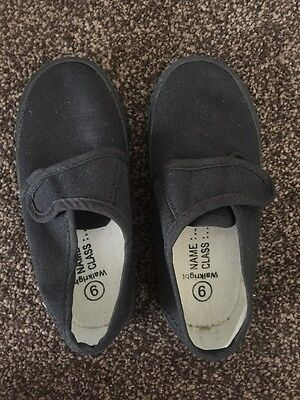 Brand New Childrens Unisex Black School Pumps - Size 9 - Take A Look!