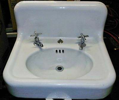Antique vintage Cast Iron White Porcelain Sink Bathroom Lavatory Plumbing