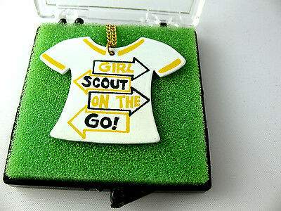1970s T-Shirt NECKLACE Girl Scouts on the Go, NEW-Original BOX Collectors GIFT