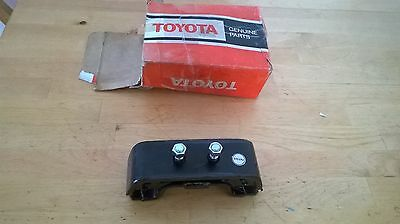 Toyota Hilux RN10-15-20-25 gearbox mount NOS Made in Japan