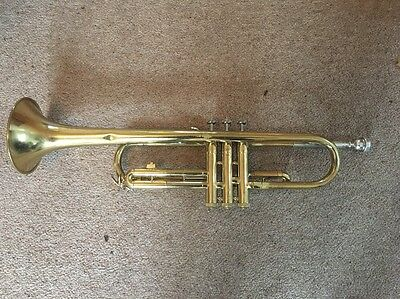 Bach Series 1001 Trumpet With Mouthpiece, Books And Case