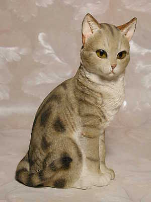 Katzenfigur TABBY CAT SITTING Country Artists Katze Cat #CA01370 Neu!