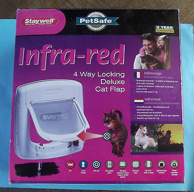 Trappe Chat  Infra-Red 4 Way Locking Deluxe Cat Flap