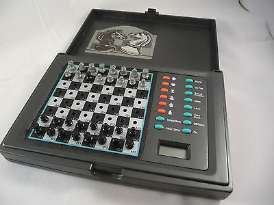 Excalibur Electronic Chess Set Travel Cutlass Model 118E Battery Operated