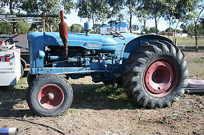 1952 fordson major tractor in good running order.