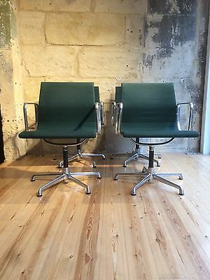 Eames  Chairs X4
