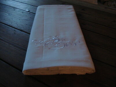 NEW French Table Cloth, Embroidered Floral Table Cloth with 8 Napkins/Serviettes