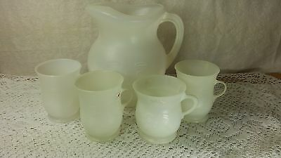 Vintage 1980's White Plastic Kool Aid Pitcher With Cups