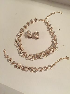 Bridal Jewelry Set - Necklace, Earrings, and Bracelet - Free Shipping!!