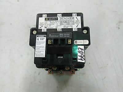 Square D Contactor Type: DPA123 Class 8910 Coil: 220-240 50/60 Hz  (New)