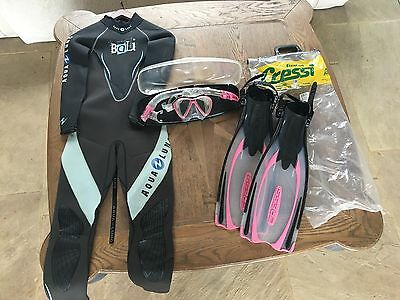 Aqua Lung women's wetsuit plus Cressi Fins and Snorkel and Mask set