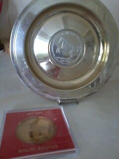 Decorative Plate and Coin  Horse of the year Sefton  British Army Collectable