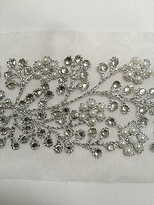 WIDE INDIAN SILVER PEARL & CRYSTAL FLOWERS BORDER LACE TRIM ON NET-one Meter