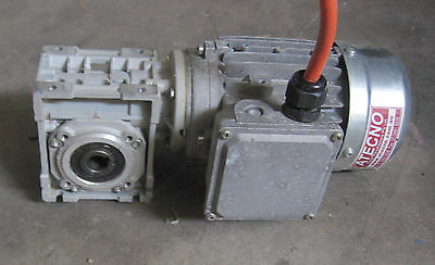 Electric Motor & Worm Gearbox Drive 040