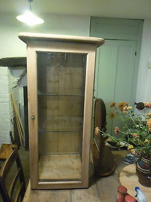 Table Top Shop Display Cabinet In