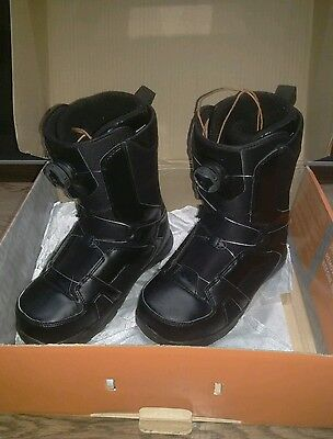 thirty two snowboard boots size 9 uk boa