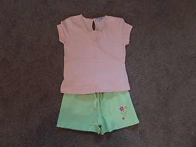 SUPER CUTE!! Girl's GEORGE Outfit Top & Shorts Age 2-3 Peach & Green--LOW START