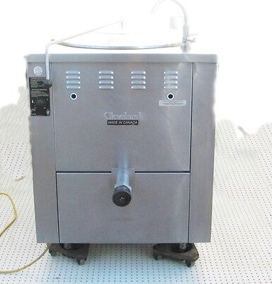 Cleveland KGM-40 40 Gallon Insulated Jacketed Steam Soup Stainless Steel Kettle