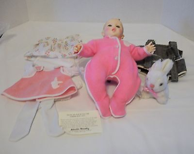 Vintage Gerber Baby 1979 With Backpack, 2 Outfits, Booties, And Rabbit