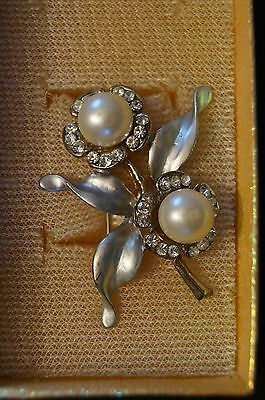 Fashion Jewellery - Floral Brooch - Pin - For the Individual.