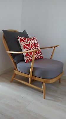 BEAUTIFUL BLONDE ERCOL 203 Chair in GREY