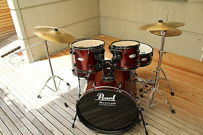 Komplettes Pearl Drumset