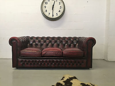 Superb Quality Very Stylish Vintage Burgundy Leather Chesterfield Sofa