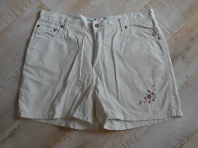 DELIA'S womens 5-pocket beige/khaki floral embroidered shorts 13/14