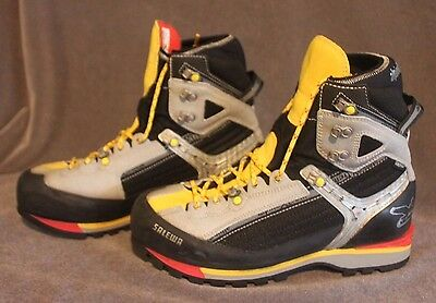 Salewa Raven Combi GTX Mountaineering Boot US Men's 9.5 Alpine Black & Yellow