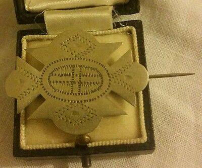 WW2 Trench Art Brooch Pin Etched Cross Militaria
