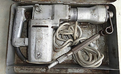 MAKITA POWER JACK HAMMER with METAL CASE and BIT.