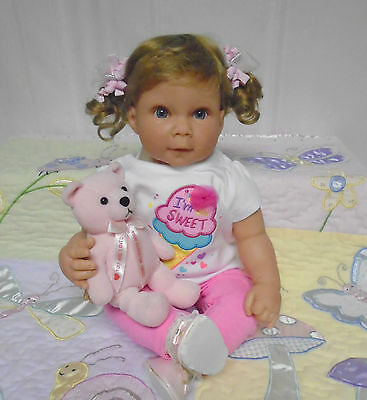 """Middleton Doll """"young At Heart"""" 22 In. Dark Blond Hair & Blue Eyes-2001"""