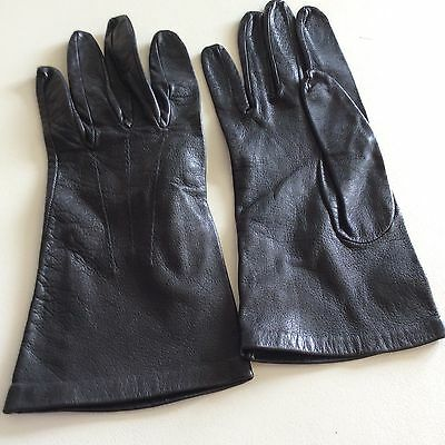 Vintage 1970's Pair Of Soft Black Kid Leather Gloves - Small