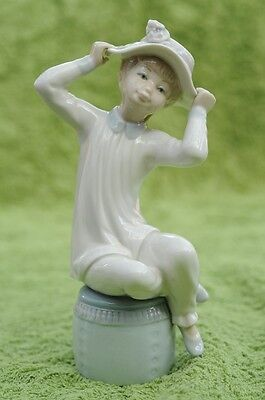 "Lladro Figurine ""Girl with Hat"" - #1147 c1971"