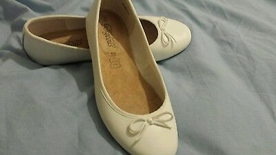 Womens New Look White Dolly Shoes Size 6