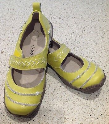 Ladies BROMIR leather lime green maryjane style shoes NWT size 37