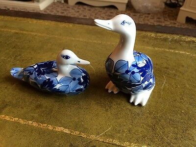 A Pair Of Duck Ornaments Blue And White Glaze
