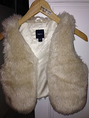 girls fluffy gillet Gap size 10/11