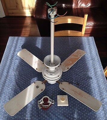 Fantasia ceiling fan 36 inches (works perfectly and in good condition)