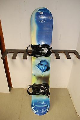 UNIQUE Chill Samsung Salt Lake 153 cm Snowboard + Pipe FTWO Bindings