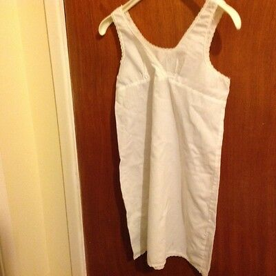 Girl's slip White Mothercare  65 % polyester  35% cotton  Size 130cm