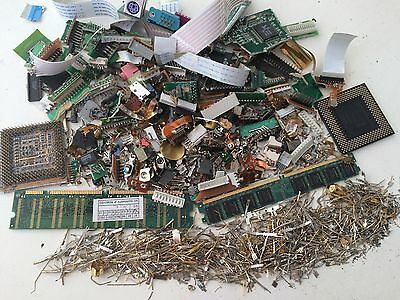 370gr computer scrap parts and pins for precious metals recovery