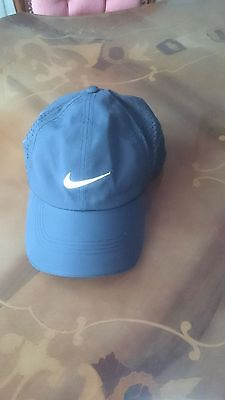 Ladies Nike black Golf cap
