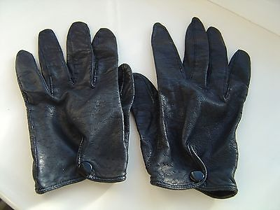 Vintage Womens Ladies Soft Black Leather Driving Gloves in a SIZE Small