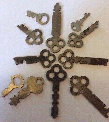 11 Old Keys, Most With 3 Holes in the top