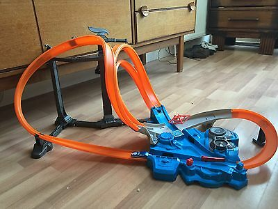 Hot Wheels Triple Track Twister Track And Hot wheels Cars Joblot